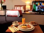 holiday-inn-plaza-universidad-Room-Service.jpg